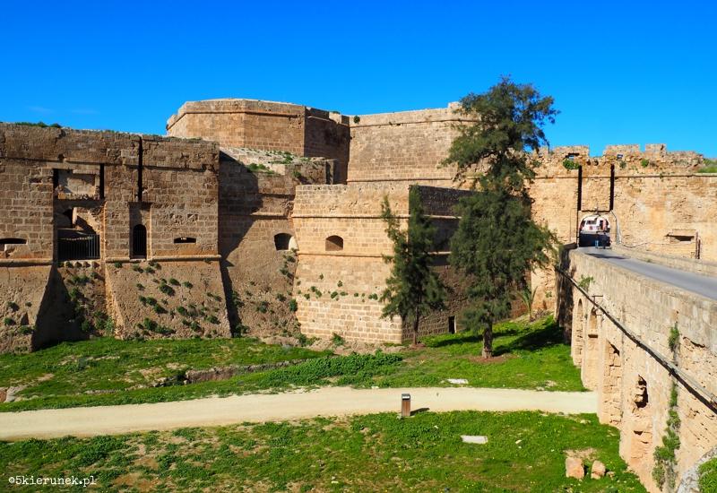 Famagusta - stare miasto - Brama Lądowa, Bastion Revettina (Ravelin)