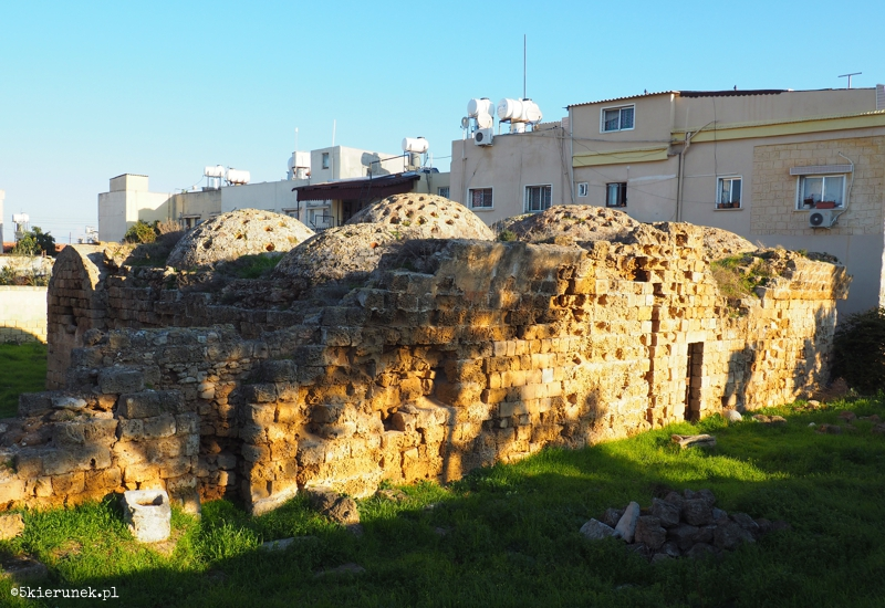 Famagusta - Karbowana łaźnia (tur. Kertikli Hamam)